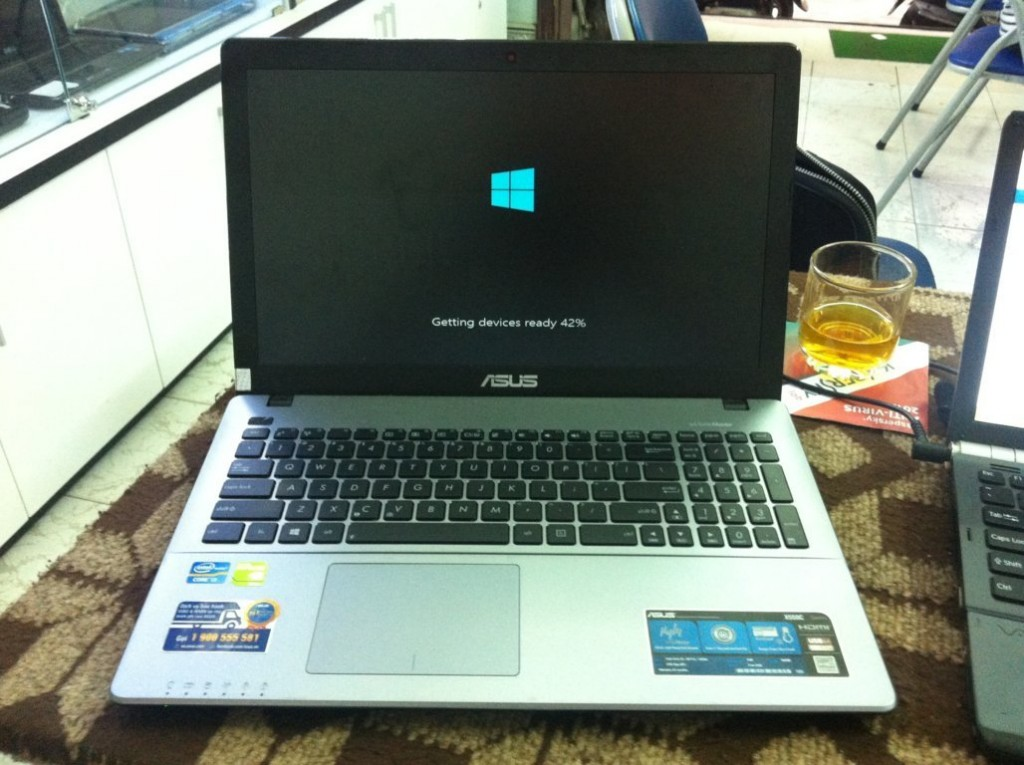 Cài đặt Windows cho laptop
