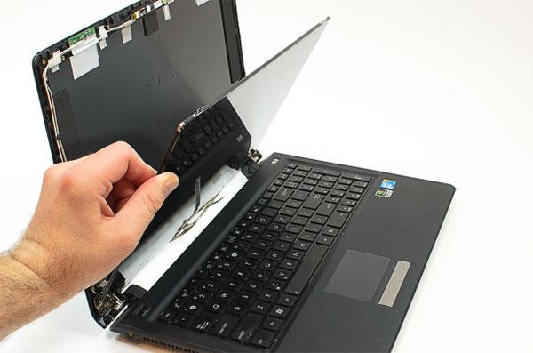 thao-oc-vit-man-hinh-laptop